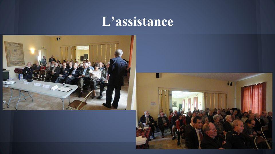 Le président ouvre la séance et présente les orateurs