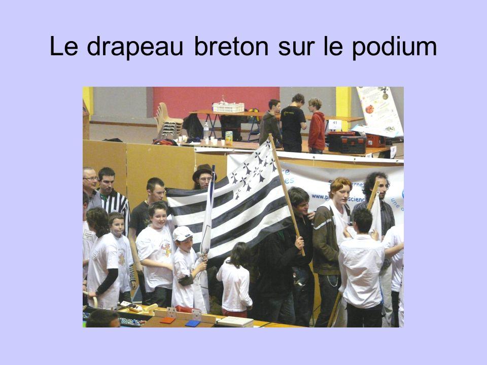 Le drapeau breton sur le podium
