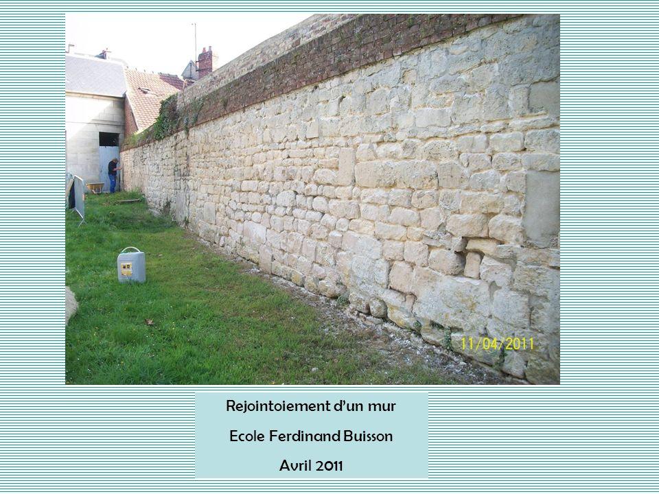 Rejointoiement dun mur Ecole Ferdinand Buisson Avril 2011