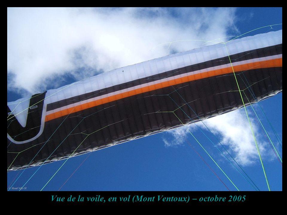 Vue de la voile, en vol (Mont Ventoux) – octobre 2005