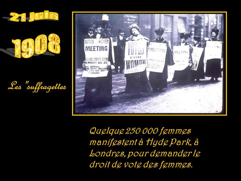 Les femmes françaises accèdent au barreau Une loi française autorise les femmes à exercer la profession d avocat.