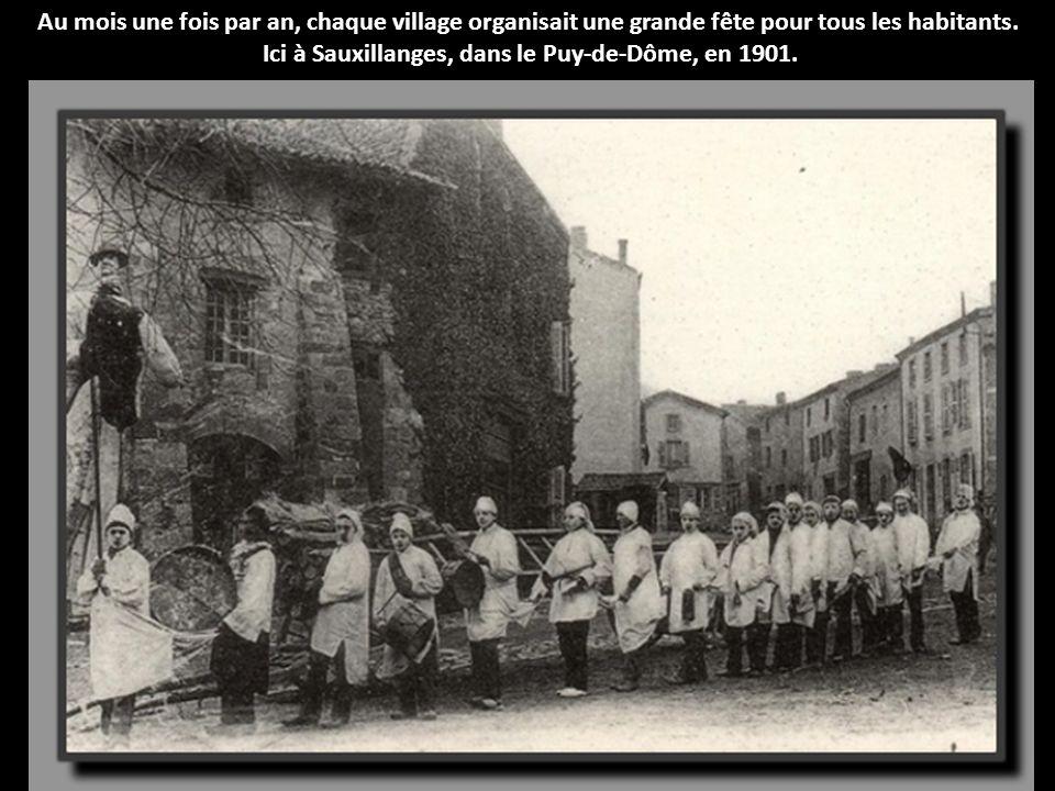 Au mois une fois par an, chaque village organisait une grande fête pour tous les habitants.