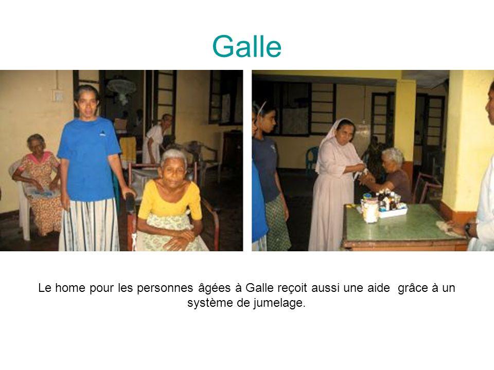 Galle Le home pour les personnes âgées à Galle reçoit aussi une aide grâce à un système de jumelage.