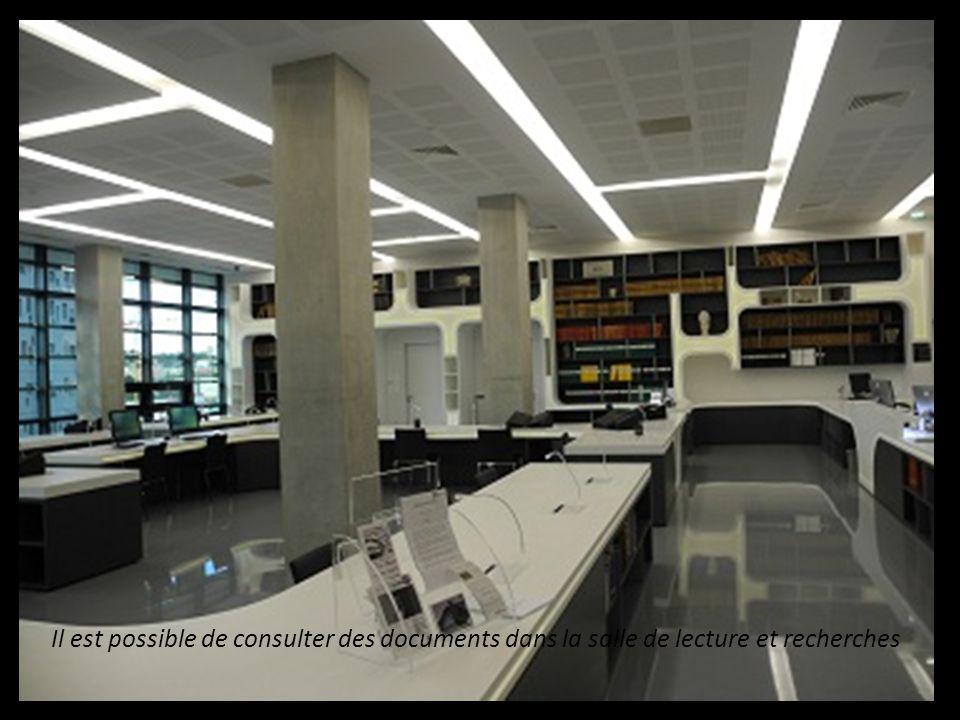 Les Archives Départementales sont stockées dans des magasins pouvant recevoir de nombreux ouvrages sur léquivalent de 60 kms ! Les Archives Départemen