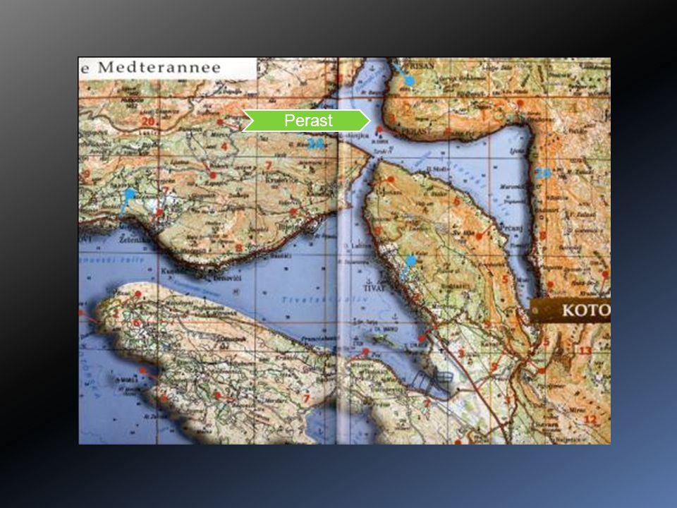 La forteresse St Ivan Murailles sur près de 5km de longueur, Jusquà 20m de haut, 1456 marches jusquà la forteresse Ancienne Cattarum au IV siècle, Kotor depuis le XI siècle