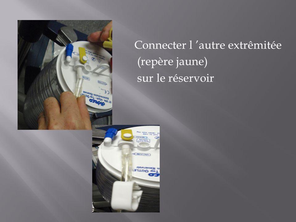 Connecter l autre extrêmitée (repère jaune) sur le réservoir