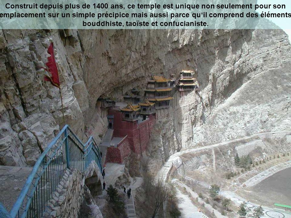 Pourquoi construire un monastère comme celui-ci.