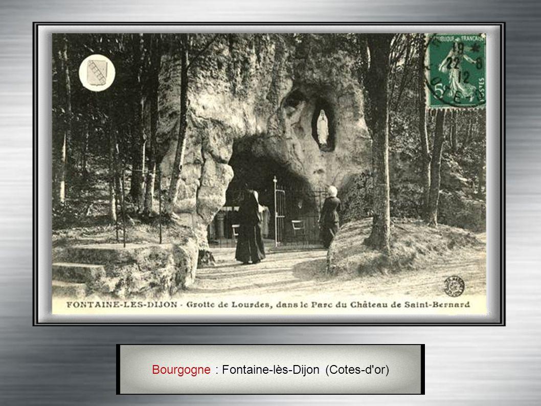 Bourgogne : Nevers (Nièvre) C' est à Nevers que Bernadette Soubirous se retira après les apparitions. Sa dépouille s' y trouve encore