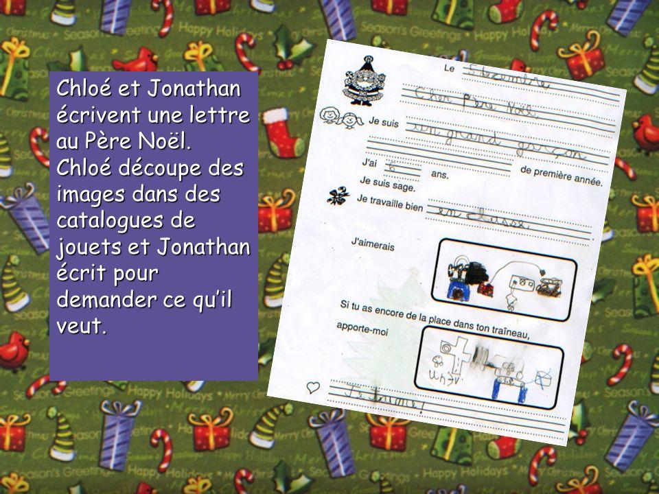 Chloé et Jonathan écrivent une lettre au Père Noël. Chloé découpe des images dans des catalogues de jouets et Jonathan écrit pour demander ce quil veu