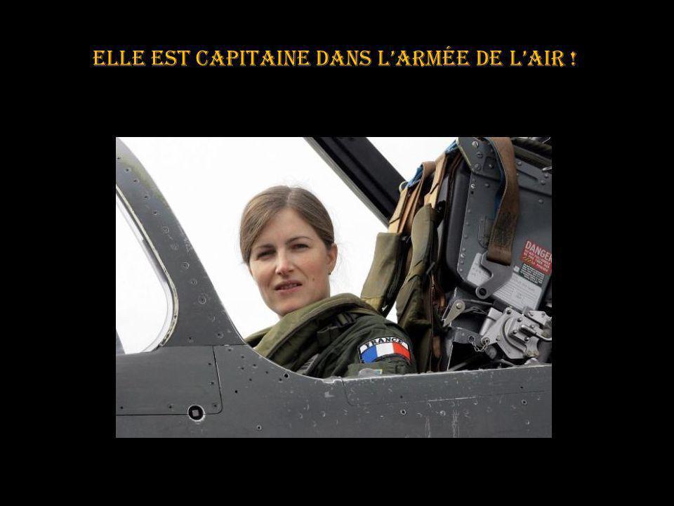 Depuis 2009 Virginie est la première femme à intégrer la patrouille de France Elle est pressentie pour en être le prochain leader Chapeau bas, très très bas madame .