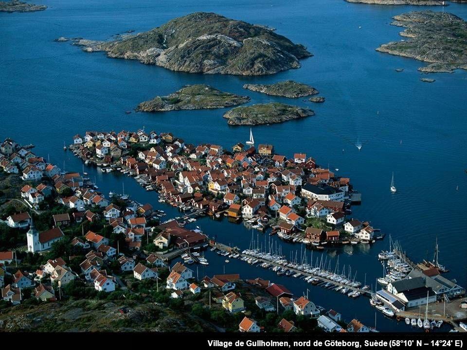Village de Gullholmen, nord de Göteborg, Suède (58°10 N – 14°24 E)