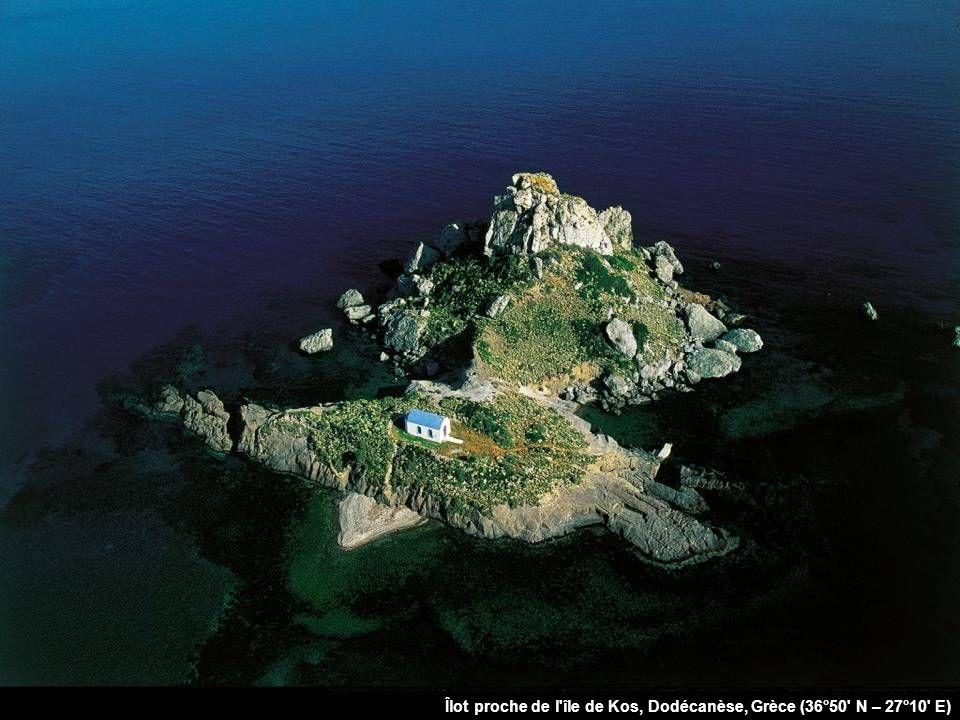 Îlot proche de l île de Kos, Dodécanèse, Grèce (36°50 N – 27°10 E)