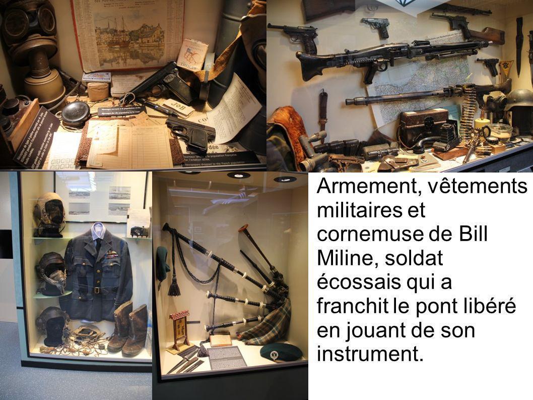 Armement, vêtements militaires et cornemuse de Bill Miline, soldat écossais qui a franchit le pont libéré en jouant de son instrument.