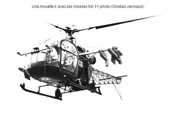 Une Alouette II avec ses missiles SS-11 (photo Christian Janniaud).