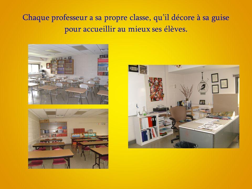 Chaque professeur a sa propre classe, quil décore à sa guise pour accueillir au mieux ses élèves.