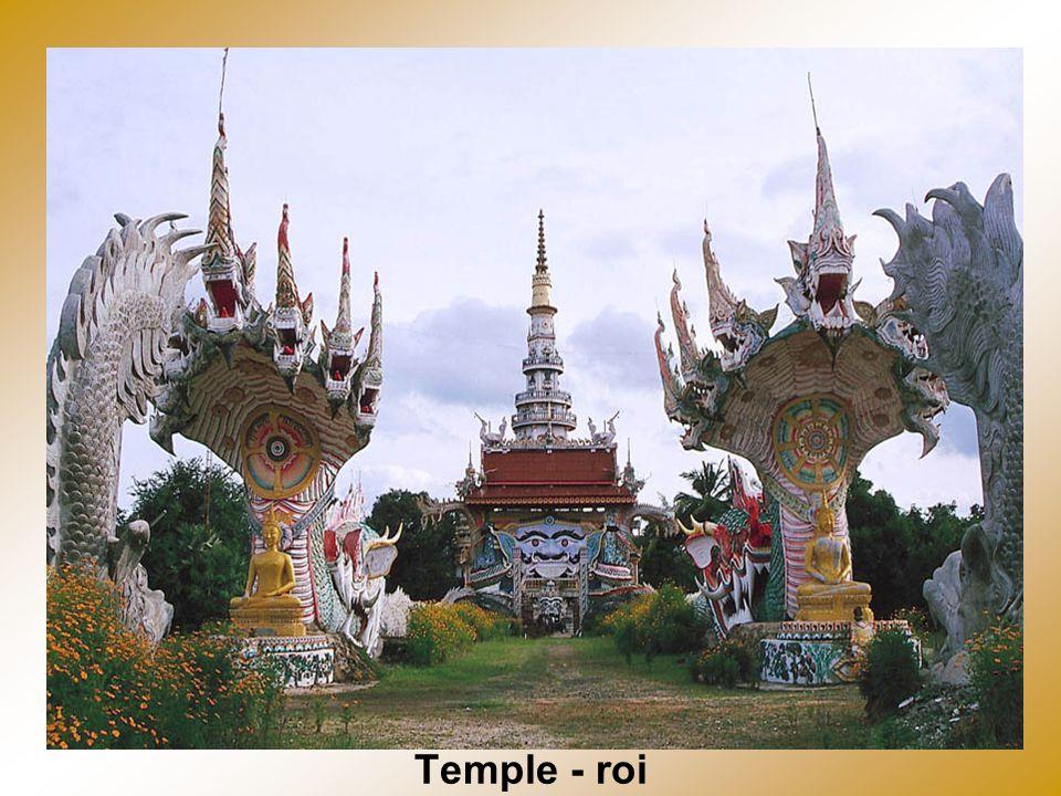 Temples Sukkotai (95% des Thai sont boudistes)