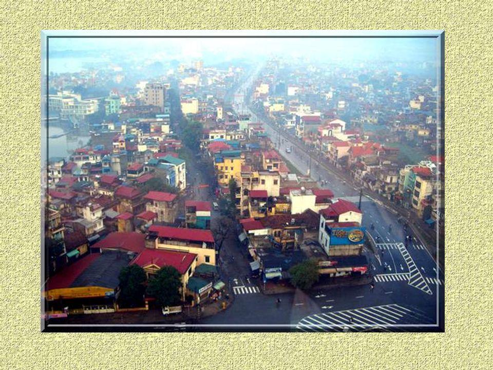 Hanoï est au Nord ce que Saigon au Sud.3,5 millions dhabitants.