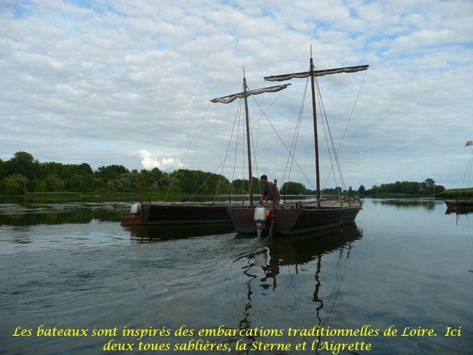 Claude, lorganisateur de cette sortie est rassuré, la météo et le niveau de du fleuve permettent cette croisière sur la Loire