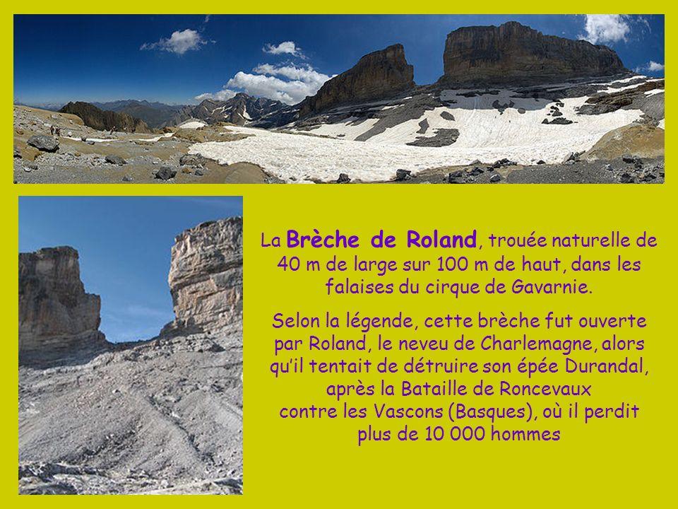 La course du Vignemale permet à partir de Cauterets de remonter la vallée de la Gaube, puis le glacier dOssoue, pour arriver au sommet de Pique Longue