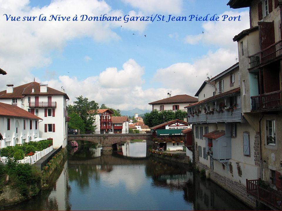 Vue sur la Nive à Donibane Garazi/St Jean Pied de Port