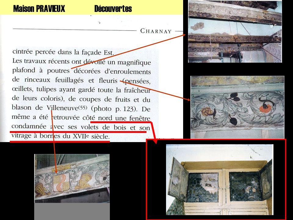 Sauvegarde Dépose et récupération Baie à meneaux : vitraux sur fenêtres supérieures ouvrantes mais murées en extérieur.