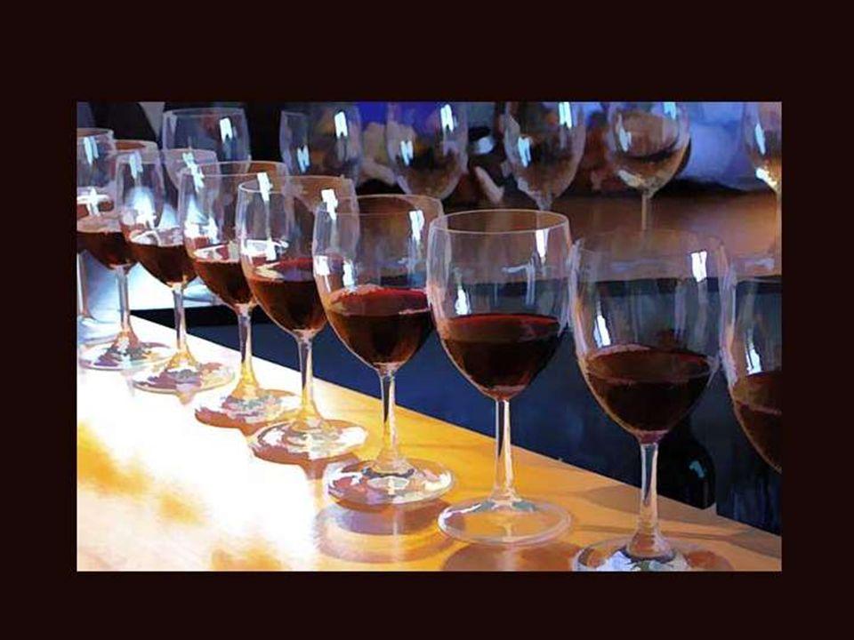 Le vin est la partie intellectuelle d un repas.