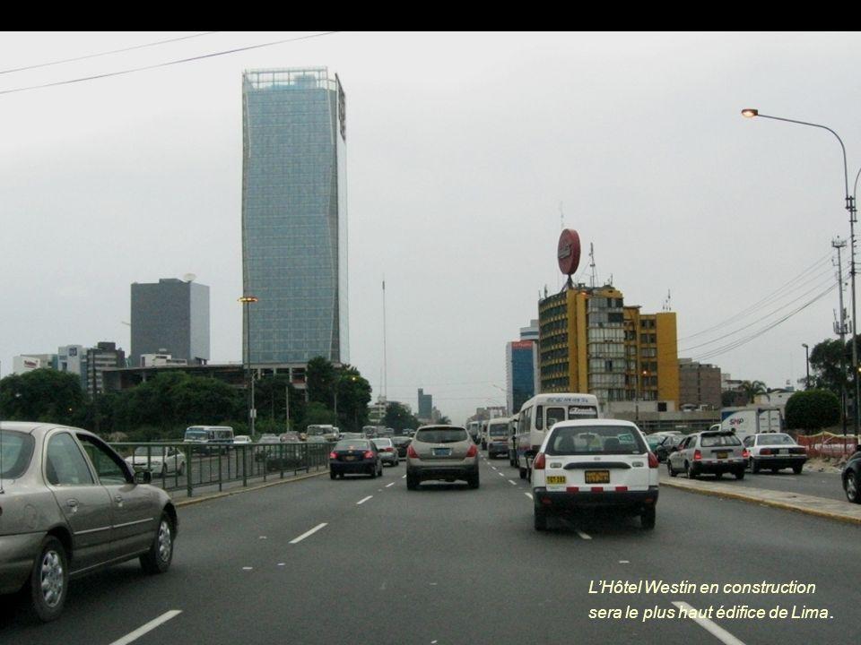 LHôtel Westin en construction sera le plus haut édifice de Lima.