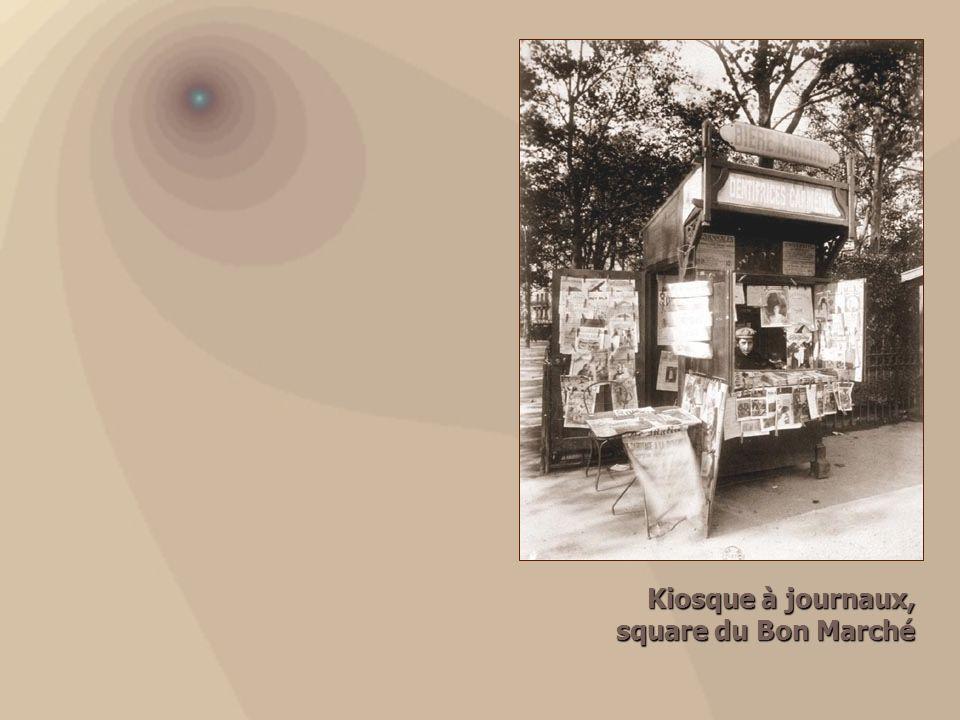 Kiosque à journaux, square du Bon Marché square du Bon Marché