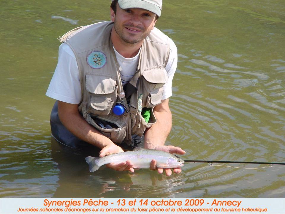 II.2 Le pêcheur « nature » II.2 Le pêcheur « nature » Il fuit les poissons de déversement et préfère la bredouille aux truites surdensitaires.