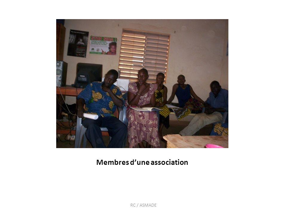 Les membres dune association lors dune rencontre sur les droits en SR ASSIATTA_ RC / BELEM_ ASMADE