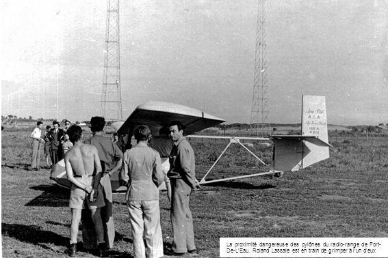 La proximité dangereuse des pylônes du radio-range de Fort- De-LEau. Roland Lassale est en train de grimper à lun deux
