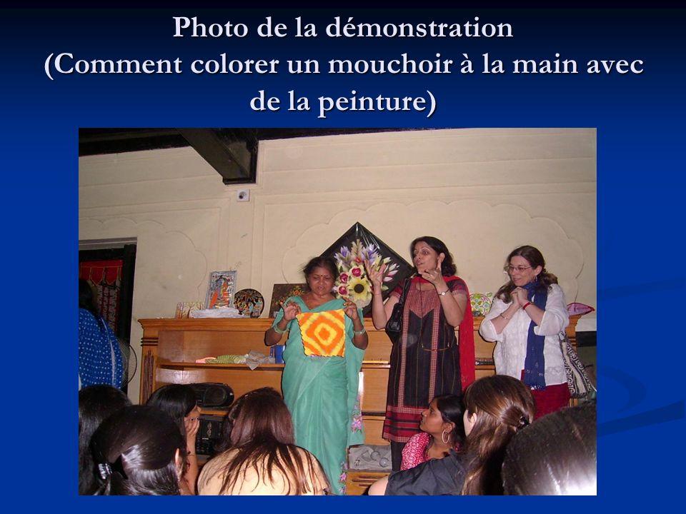 Photo de la démonstration (Comment colorer un mouchoir à la main avec de la peinture)