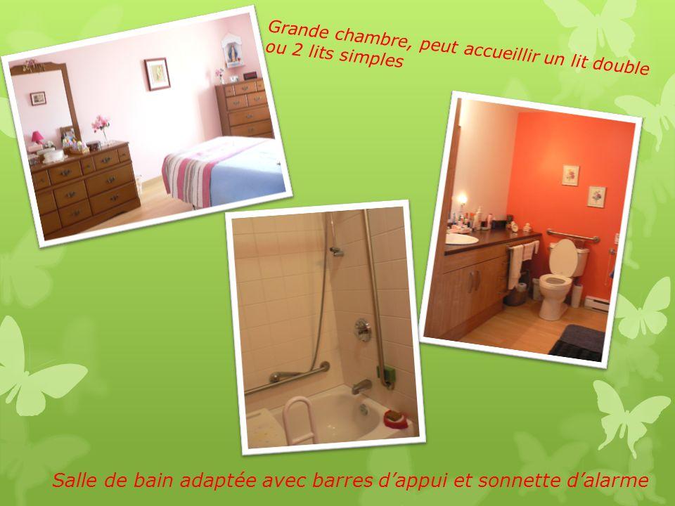 Visite guidée La Résidence Mon Chez Nous compte : - 12 logements de 3 1/2 pièces Cuisine Salon Chambre à coucher Salle de bain adaptée Sonnette dalarm