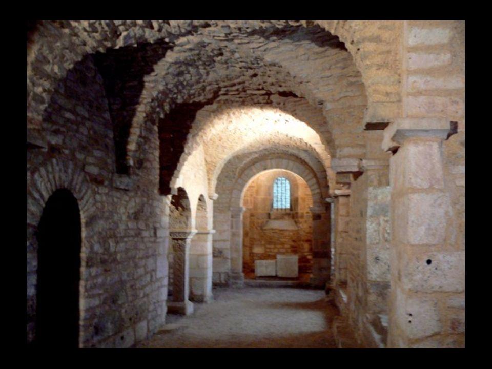 755, l abbé Manassès dit le Grand, avec son avènement, apporte le corps de St Prix évêque de Clermont au VIIè siècle.