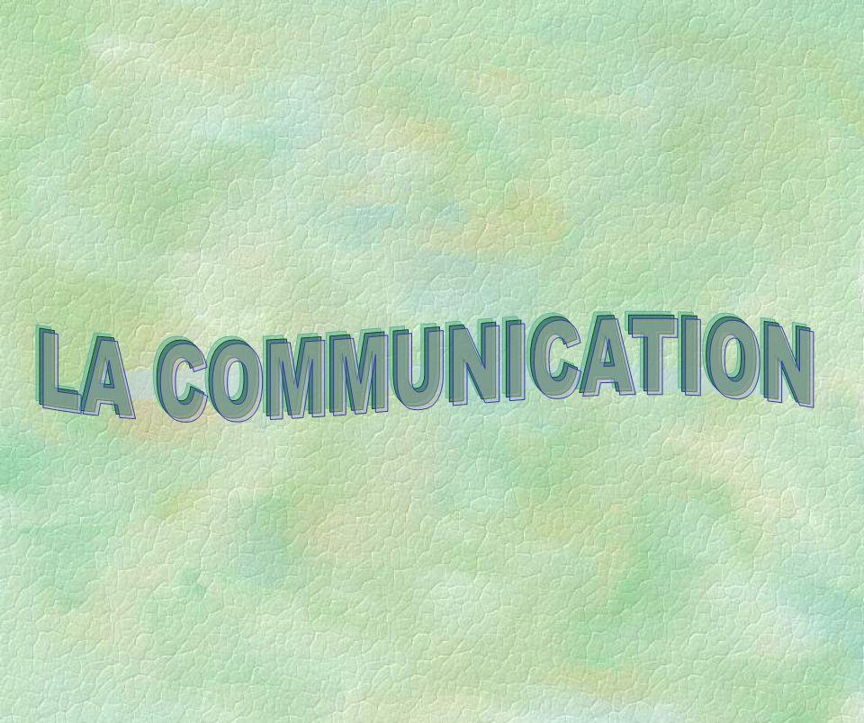 II- DEFINITION DUNE STRATEGIE DE COMMUNICATION * Stratégie : « L art de diriger un ensemble de dispositions pour atteindre un but ».