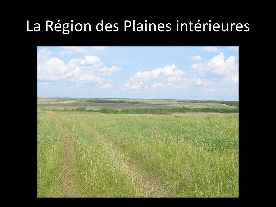 Le relief y est varié, alternant entre zones plates et les vallées.