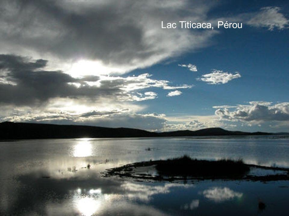 Lac Léman, Suisse Le Lac Léman est le plus grand lac d'Europe occidentale. Il couvre une superficie de 582 km², et la frontière franco-suisse le trave