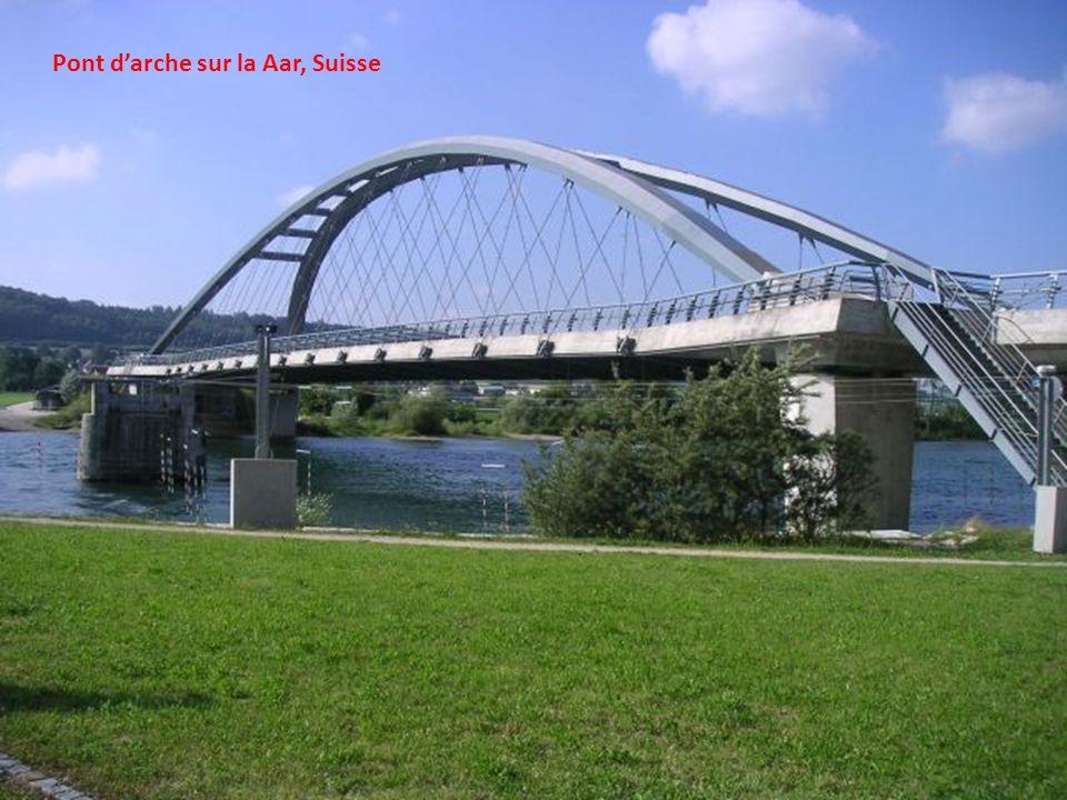 Le pont de la rue Smithfield (Pont bleu), Pittsburgh, USA.