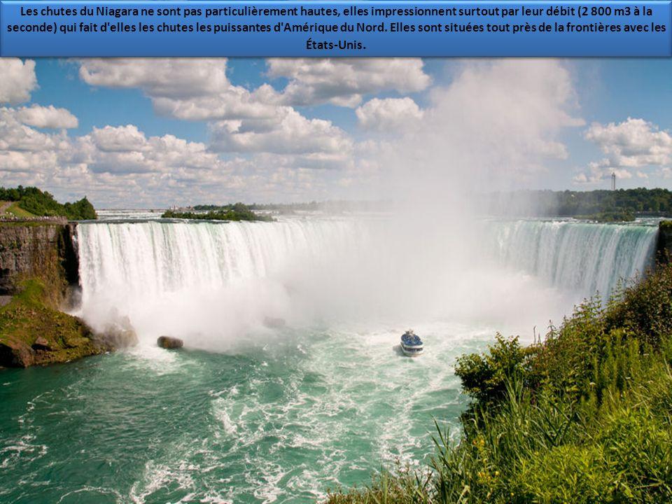 Attention, direction à l'est, toute ! Vous voici dans la province de Québec, au poids de rencontre de la rivière Montmorency et du fleuve Saint-Lauren