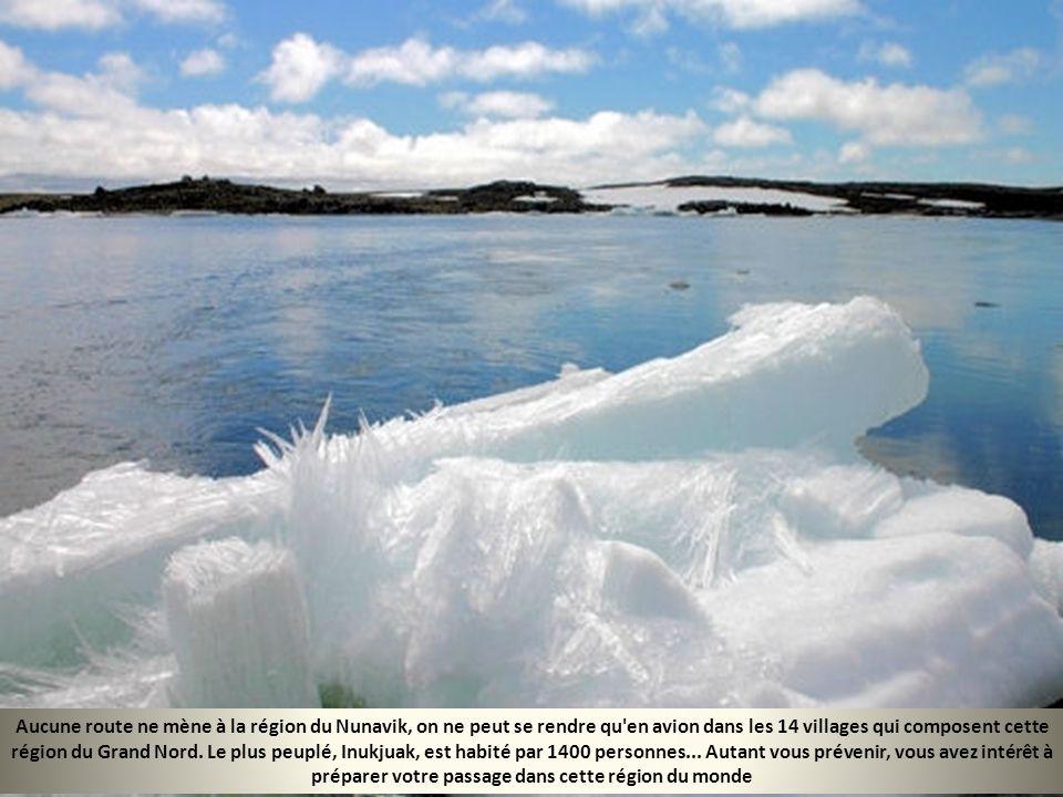 Les Mille-Îles sont un archipel sur la frontière entre les États-Unis et le Canada, dans le fleuve Saint-Laurent. Il y a en tout 1 865 îles ; certaine