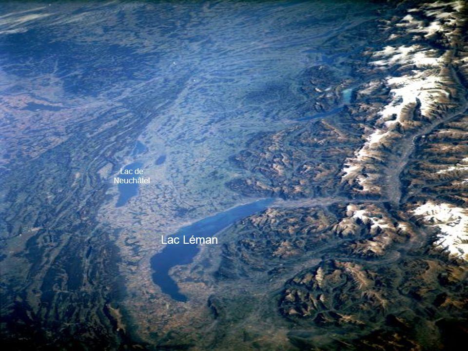 Les Alpes suisses et le lac Léman