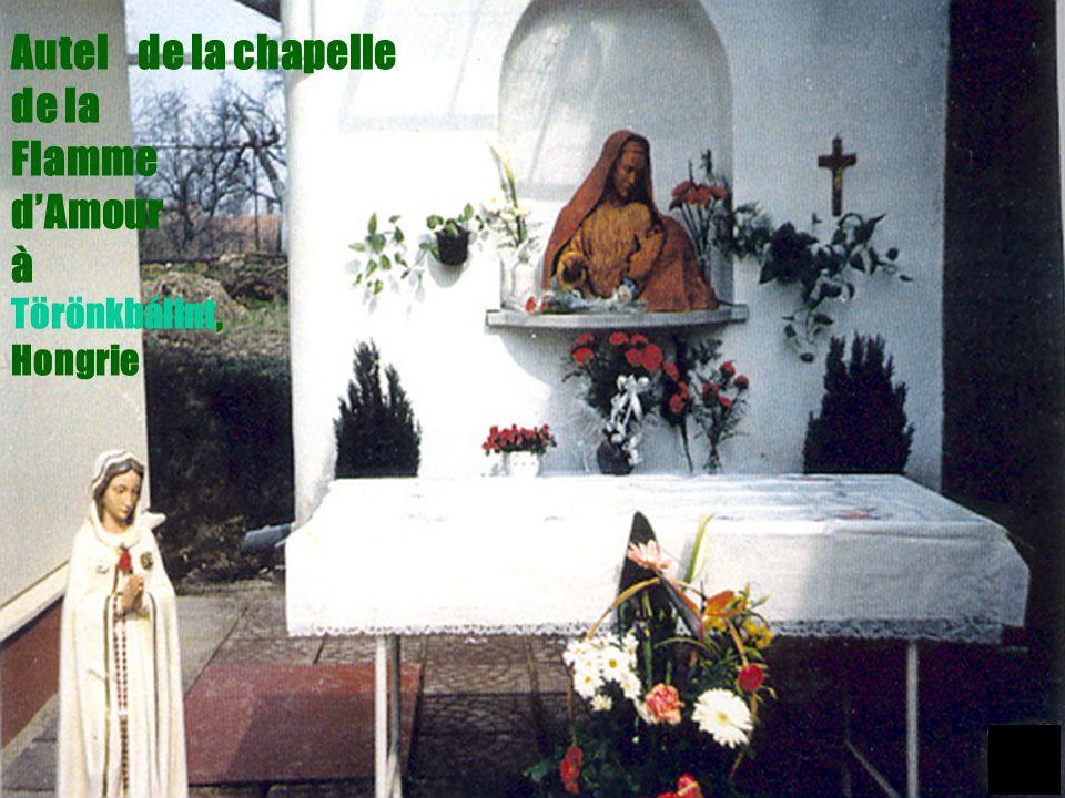 23 Autel de la chapelle de la Flamme dAmour à Törönkbálint, Hongrie