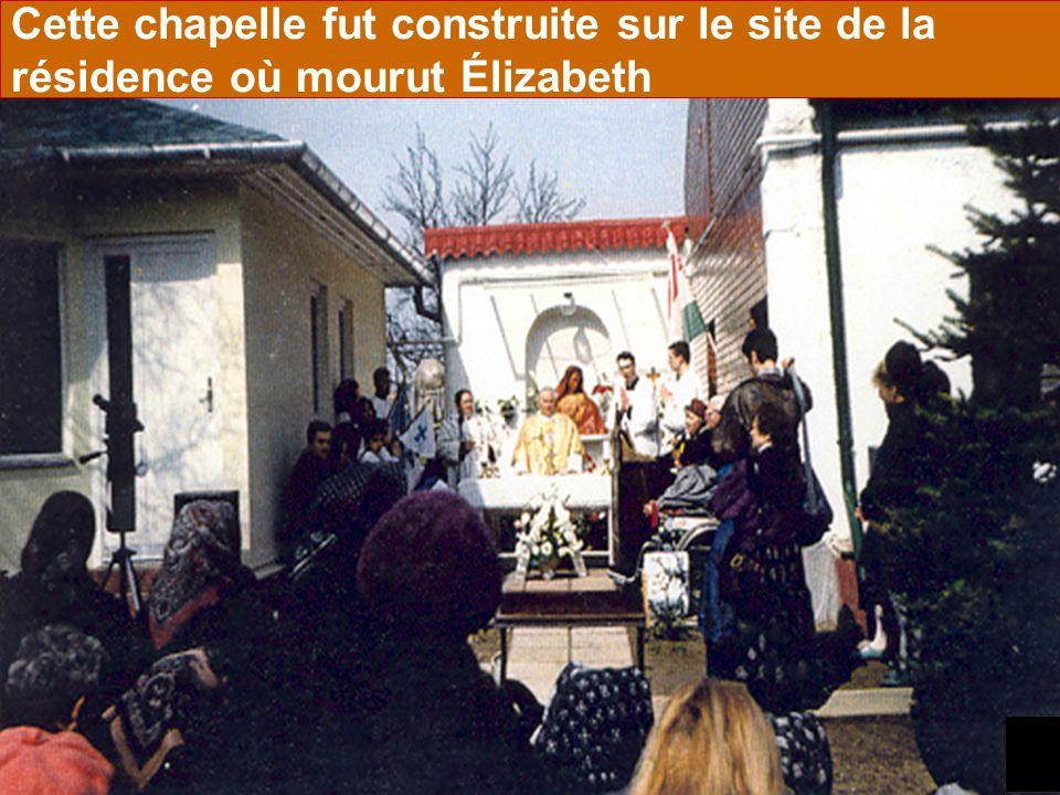 24 Cette chapelle fut construite sur le site de la résidence où mourut Élizabeth