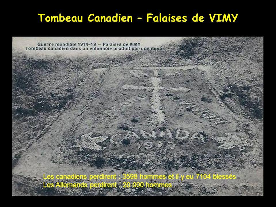 THELUS hiver 1917-1918 le Général BYNG inaugura ce premier monument à la gloire de lartillerie Canadienne