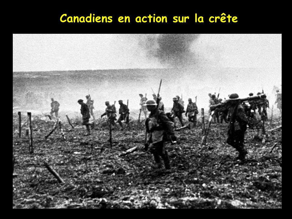 Les troupes Canadiennes avancent vers les lignes Allemandes