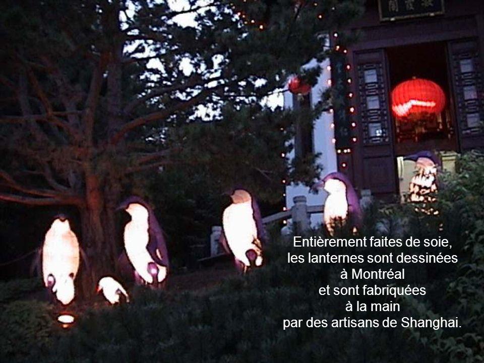 Entièrement faites de soie, les lanternes sont dessinées à Montréal et sont fabriquées à la main par des artisans de Shanghai.