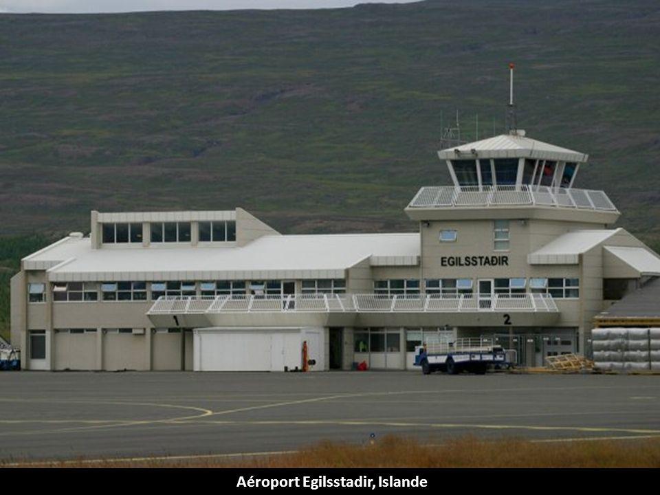Aéroport Emam Shahr, Iran