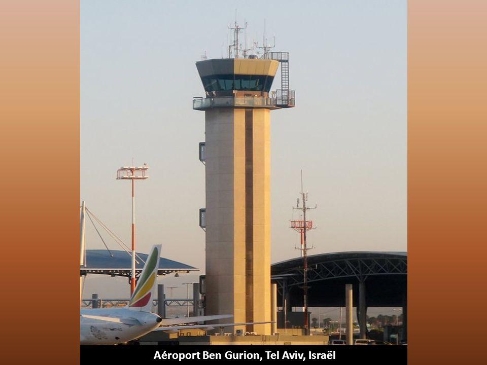 Aéroport Commodore Arturo Merino Benitez, Santiago de Chili, Chili