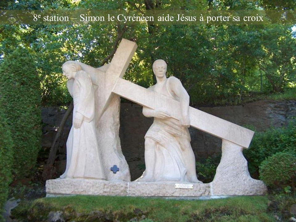 7 e station – Jésus console les saintes femmes