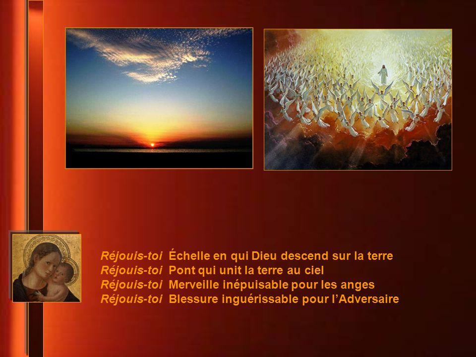 Réjouis-toi tu nous ouvres au secret du Dessein de Dieu Réjouis-toi tu nous mènes à la confiance dans le silence Réjouis-toi tu es la première des mer